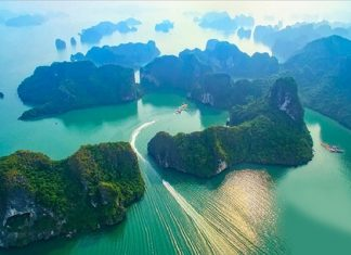 Review vẻ đẹp mê mẩn du khách của các kỳ quan thế giới tại Việt Nam